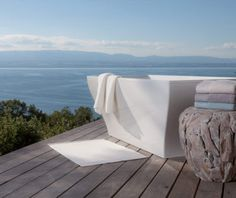 Bailet is a household linen brand with a rare expertise which is committed to develop products of unique quality, made from natural materials, finishes and neat embroidery. Live In Style, Brand Collection, Outdoor Furniture, Outdoor Decor, Sun Lounger, Branding Design, Household, Luxury, Interview