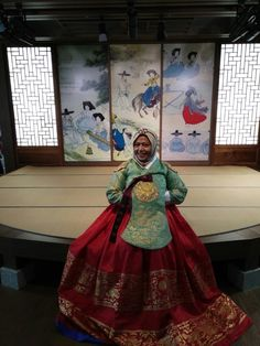 Dont forget to try wearing Hanbok, Korea's traditional cloth, you can try it freely at Incheon airport