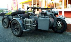 ZUNDAPP KS750〔獨戦中軍用サイドカー/2軸ドライブ/3人乗り車検取得済〕 Three Wheel Bicycle, Ural Motorcycle, Motorcycle Photography, Army Vehicles, Bad To The Bone, Old Bikes, Cool Motorcycles, Mopeds, German Army