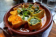 Să mâncăm cu Jamie @ Jamie's Italian - Angel - FoodCrew Jamie's Italian, Jamie Oliver, Thai Red Curry, Stuffed Peppers, Vegetables, Ethnic Recipes, Food, Stuffed Pepper, Essen