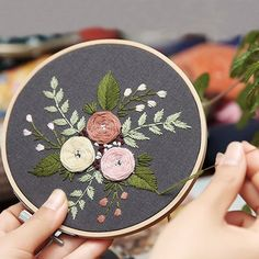 Wonderful Ribbon Embroidery Flowers by Hand Ideas. Enchanting Ribbon Embroidery Flowers by Hand Ideas. Diy Embroidery Kit, Floral Embroidery Patterns, Embroidery Flowers Pattern, Embroidery Transfers, Learn Embroidery, Modern Embroidery, Embroidery For Beginners, Hand Embroidery Designs, Embroidery Techniques