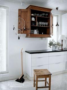 Kitchen Shelves, Kitchen Pantry, Rustic Kitchen, New Kitchen, Kitchen Dining, Kitchen Cabinets, Kitchen Reno, Kitchen Ideas, Colorful Furniture