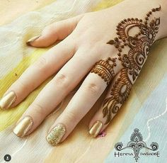 Mehndi is something that every girl want. Arabic mehndi design is another beautiful mehndi design. We will show Arabic Mehndi Designs. Henna Hand Designs, Mehandi Designs, Mehndi Designs Finger, Simple Arabic Mehndi Designs, Mehndi Designs For Girls, Mehndi Designs 2018, Modern Mehndi Designs, Mehndi Designs For Fingers, Mehndi Design Pictures
