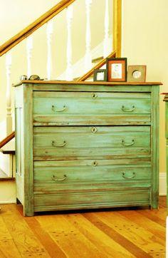old dresser repaint - nice diy