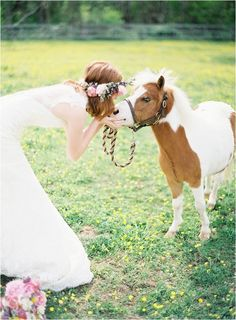 2014 is the year of the horse in the Chinese zodiac calendar, so if ponies are a special part of your life, stop horsing around (sorry, couldn't resist!) and add a little equestrian elegance and have a horse themed wedding.