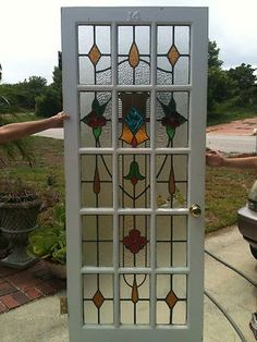 One large panel behind! Stained Glass Door, Making Stained Glass, Stained Glass Designs, Stained Glass Panels, Stained Glass Projects, Stained Glass Patterns, Leaded Glass, Mosaic Glass, Sliding Glass Door