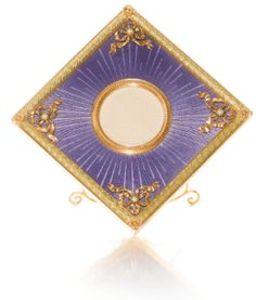 A Fabergé two-colour gold and enamel frame, workmaster Michael Perchin, St Petersburg, 1895-1899 - Sotheby's