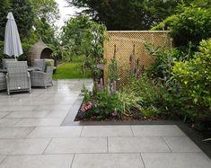 Garden Tiles, Patio Tiles, Garden Paving, Terrace Garden, Garden Landscaping, Patio Edging, Circular Patio, Back Gardens, Small Gardens