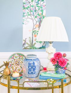 Like the Chinoiserie look? Not thus interested in the price marking? Create the Chinoiserie search for less with these kinds of sources for budget Chinoiserie decor! Wallpapers Wallpapers, Diy Home Decor, Room Decor, Chinoiserie Motifs, Diy Home Accessories, Asian Decor, White Decor, Home Decor Inspiration, Decor Ideas