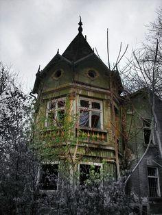 Lugares Abandonados, Fantasmas