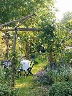 Lovable and Relaxing Garden Retreat Ideas - Wildes und Kraut - Garten Rustic Gardens, Outdoor Gardens, Garden Retreat Ideas, Backyard Retreat, Small Patio Design, The Secret Garden, Garden Cottage, Garden Living, Garden Structures