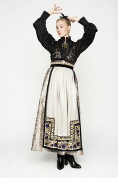 Norwegian Clothing, Scandinavian Fashion, Folk Fashion, Folk Costume, Character Outfits, European Fashion, Playing Dress Up, Traditional Dresses, Couture