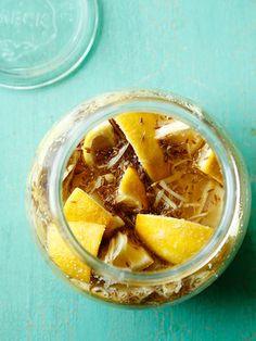【ELLE a table】鶏肉とトマトと塩レモンのスープ レシピ エル・オンライン
