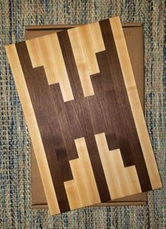 Walnut Maple cutting board chopping board 12 in x 18 in Diy Cutting Board, Wood Cutting Boards, Butcher Block Cutting Board, Wooden Projects, Wood Crafts, Fine Woodworking, Woodworking Crafts, Diy Furniture Plans, Perfect Fit