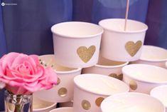 DIY-Cheesecake-Topping-Buffet---Sweet-Table-Gartenhochzeit-mit--vielen-Soßen-und-Toppings-gold-und-blush