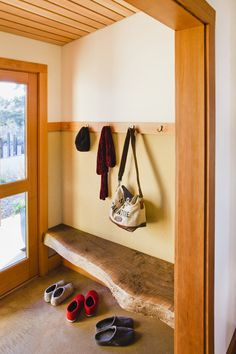 Glamorous Foyer Bench look San Francisco Farmhouse Entry Inspiration with built-in bench entry entry bench hooks live edge wood mud room mudroom raw edge Diy Casa, Live Edge Wood, Wood Slab, Raw Wood, Solid Wood, Wabi Sabi, Rustic Decor, Rustic Bench, Rustic Entryway