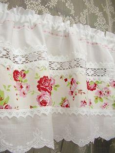 shabby chic curtains with lace inserts (Rosen Bistro-Gardinen Landhausstil)