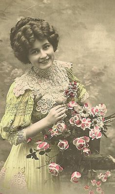 lady with smile & flwrs by in pastel, via Flickr