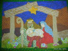 Lindo painel EU ACREDITO NA FAMILIA  em patchwork  estruturado com manta e forro para receber seus amigos neste Natal com o aconchego do Presepio de Natal. R$ 78,80