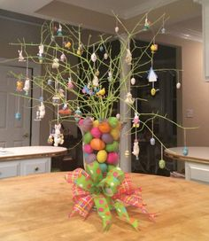 Make Easter decorations special with an Easter Egg tree. Learn how to use Twig tree or Christmas tree as an Easter tree.Check out Easter tree decor ideas. Easter Table, Easter Eggs, White Twig Tree, Easter Flower Arrangements, Easter Tree Decorations, Egg Tree, Easter Colors, Egg Decorating, Easter Crafts