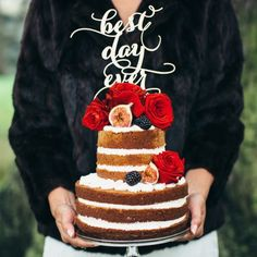 This beautiful styled shoot is set in the english countryside and briming with lovely ideas and inspiration. Cakes, flowers aplenty!