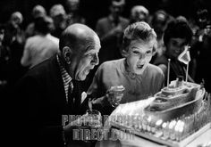 Noel Coward with Elaine Stritch 1962 . NC : English actor , playwright and composer of popular music , 16 December 1899 26 March 1973 . ES :...