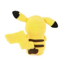 I had to crochet the most famous Pokemon of them all: Pikachu! Also think it's one of the cutest Pokemon. This amigurumi pattern is FREE. Crochet Pikachu, Crochet Pig, Crochet Books, Pikachu Pikachu, Crochet Animals, Minion Crochet Patterns, Pokemon Crochet Pattern, Knitting Patterns, Pokemon Craft