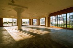 http://eventup.com/venue/downtown-raw-space-with-great-light-2/