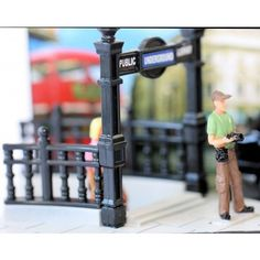 Diecast Diorama PICCADILLY CIRCUS LONDON SCENE MOMENTS IN TIME SCALE 1:64 NEW AU$24.99