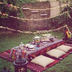 The Holy month of Ramadan has reached to the end! It's time to decorate your home to welcome Eid and boost your hosting skills… Iftar Party, Eid Party, Ramadan Crafts, Ramadan Decorations, Picnic Decorations, Fest Des Fastenbrechens, Outdoor Living, Outdoor Decor, Outdoor Parties