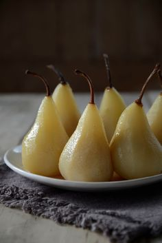 Poached Pears in Riesling and vanilla