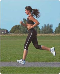 woman-jogging for good health Jogging, Fitness Goals, Fitness Motivation, Weight Loss Herbs, Good Mental Health, Fat Loss Diet, Physical Activities, How To Lose Weight Fast, Sports