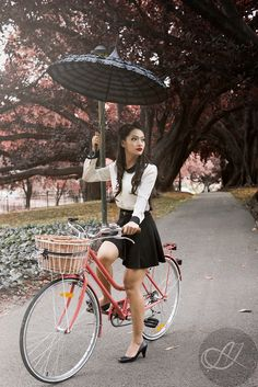 never stop being a chic cyclist!