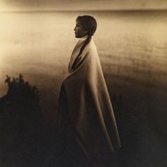 coffeentrees:  The year 1907: Portrait of an Ojibway, or Chippewa Indian girl. Flashback 127 years into photographic history as we bring you images from the Natgeo archives—see more at natgeofound.tumblr.com @natgeocreative Photo by Roland W. Reed by natgeo