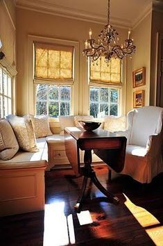 10 Stylish Dining Room Storage Ideas : Rooms : Home & Garden Television Dining Room Storage, Dining Nook, Mini Loft, Banquettes, Banquette Seating, Up House, Small Dining, Interior Exterior, Home Kitchens