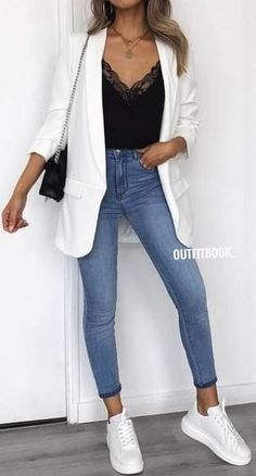 moda 45 Fantastic Spring Outfits You Should Definitely Buy / 020 Mode buy Fantastic Moda Outfit ideen outfits Spring Mode Outfits, Fall Outfits, Fashion Outfits, Womens Fashion, Office Outfits, Summer Outfits, Fashion Ideas, Jeans Fashion, Diy Outfits
