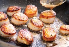 Seared Scallops Recipe (Knee-wobblingly golden on the outside. Lusciously wobbly inside. Gordon Ramsay would be so proud.)