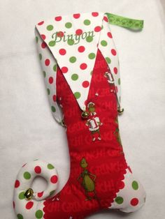 Elf Toe Red and White Christmas Stocking. Stuffed toe and foot. Fully lined, quilted layer. by Polka dot godets, heel and toe. Jingle bells in green, red or white. Christmas Stocking Template, Christmas Stocking Decorations, Primitive Christmas Decorating, Christmas Themes, Christmas Crafts, Grinch Ornaments, Grinch Christmas Party, Christmas Skirt, Green Christmas