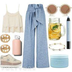 Street fashion, chic details, elegant style, feminine, casual and classy.