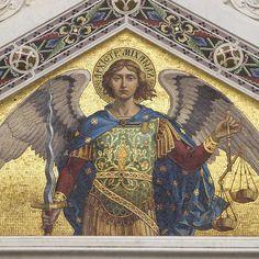 São Miguel Arcanjo: aprenda oração de libertação e proteção