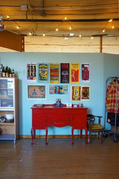 Brittany, Jess and Heidi's Real-Deal Artist's Loft in Chicago