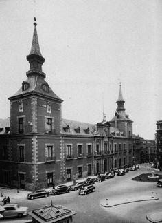 Plaza de la Provincia y Palacio de Santa Cruz.. 1965