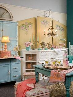 Shabby pastel dining room is so lovely. | shabby chic411 x 54880.2KBpinterest.com