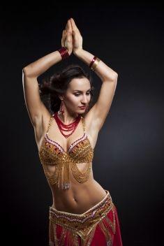 Moc kobiecości zaklęta w tańcu brzucha