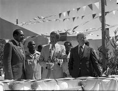 Jimmy Carter and Tom Bradley. Photo by Harry Adams.