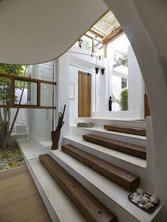 Intercale o material dos degraus para uma escada diferente!