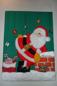 Cuadros navideños en icopor paso a paso Christmas Decorations, Christmas Ornaments, Holiday Decor, Christmas Ideas, Christmas Bulletin Boards, Cute Office, Classroom Decor, Needlepoint, Christmas Stockings