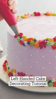 Cake Icing, Eat Cake, Cupcake Cakes, Cake Decorating Techniques, Cake Decorating Tutorials, Wilton Cake Decorating, Cookie Decorating, Decorator Frosting, Dessert Decoration
