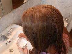 2 recipes for DIY dry shampoo