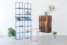 Anny Wang est une très jeune designer suédoise qui vit et travaille actuellement à Copenhague au Danemark. Anny Wang a obtenu son diplôme en 2014, dans la prestigieuse école d'art et de design de Gothenburg en Suède.  Cette collection de mobilier baptisée « AKIN COLLECTION » est composée de trois pièces (étagère, buffet et console). C'est ce projet qu'Anny Wang a présenté pour passer son diplôme. On aime la simplicité des formes, des matières et des couleurs, ces trois pièces peuvent...